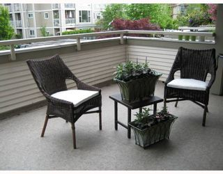 """Photo 9: 208 19122 122ND Avenue in Pitt_Meadows: Central Meadows Condo for sale in """"EDGEWOOD MANOR"""" (Pitt Meadows)  : MLS®# V715650"""