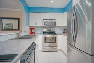 """Photo 7: 1 3770 MANOR Street in Burnaby: Central BN Condo for sale in """"CASCADE WEST"""" (Burnaby North)  : MLS®# R2403593"""