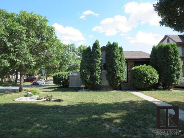 Bungalow 968 sq.ft 3 Br., 2 Baths, Huge 43' x 200' Lot