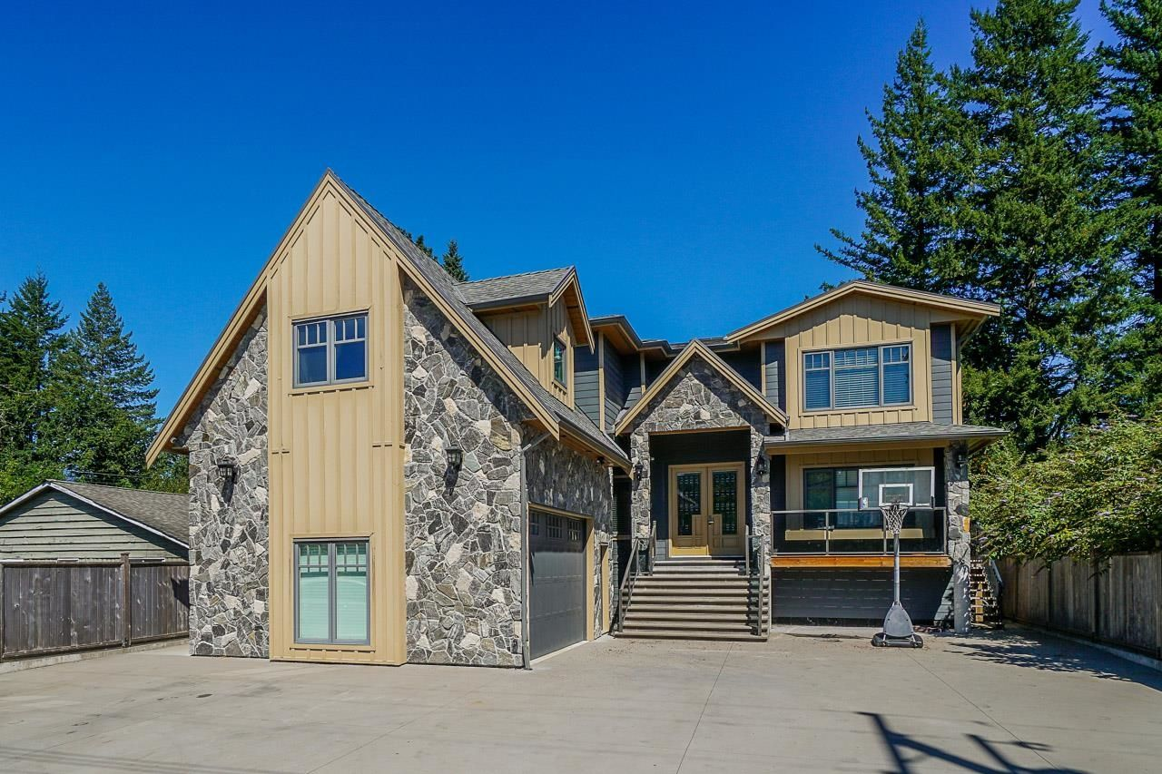 Main Photo: 1337 JUDD Road in Squamish: Brackendale House for sale : MLS®# R2610482