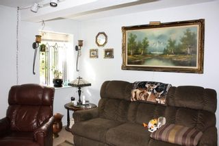 Photo 5: 635 E 44TH AVENUE in Vancouver: Fraser VE House for sale (Vancouver East)  : MLS®# R2109643