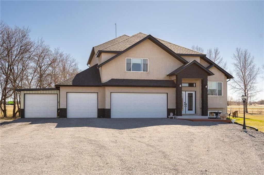Main Photo: 72009 PINE Road South in St Clements: R02 Residential for sale : MLS®# 202111274