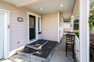 Photo 2: 1230 Lyall St in Esquimalt: Es Saxe Point Half Duplex for sale : MLS®# 888282