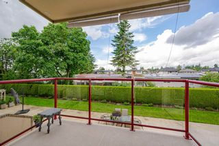Photo 2: 211 2626 COUNTESS Street: Condo for sale in Abbotsford: MLS®# R2594298