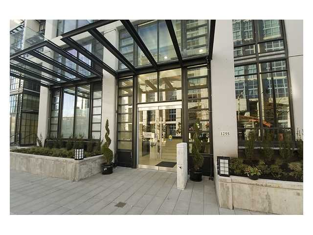 """Main Photo: 315 1255 SEYMOUR Street in Vancouver: Downtown VW Townhouse for sale in """"Elan"""" (Vancouver West)  : MLS®# V944521"""