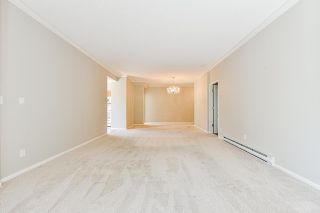 """Photo 20: 203 1705 MARTIN Drive in Surrey: Sunnyside Park Surrey Condo for sale in """"Southwynd"""" (South Surrey White Rock)  : MLS®# R2576884"""
