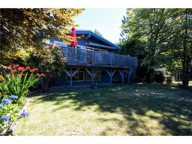 Main Photo: 414 MONTROYAL Boulevard in North Vancouver: Upper Delbrook House for sale : MLS®# V1017737