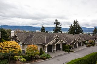 """Photo 2: 27 35537 EAGLE MOUNTAIN Drive in Abbotsford: Abbotsford East Townhouse for sale in """"Eaton Place"""" : MLS®# R2105071"""