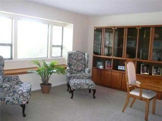 Photo 2: 8260 NO 3 Road in Richmond: Garden City 1/2 Duplex for sale : MLS®# V845656