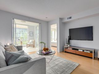 "Photo 2: 306 1635 W 3RD Avenue in Vancouver: False Creek Condo for sale in ""Lumen"" (Vancouver West)  : MLS®# R2404854"