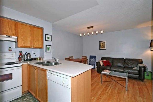 Photo 7: Photos: 808 109 E Front Street in Toronto: Moss Park Condo for lease (Toronto C08)  : MLS®# C3510548