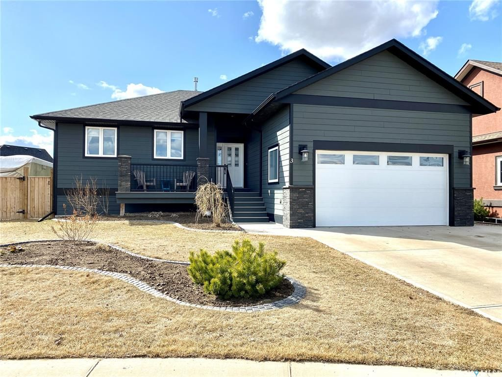 Main Photo: 3 MacDonnell Court in Battleford: Residential for sale : MLS®# SK849471