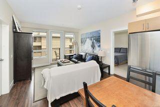 Photo 4: 403 935 Cloverdale Ave in : SE Quadra Condo for sale (Saanich East)  : MLS®# 884278