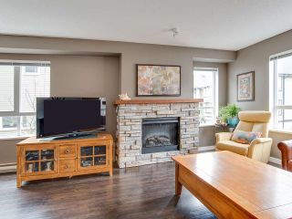"Photo 7: 6 6747 203 Street in Langley: Willoughby Heights Townhouse for sale in ""Sagebrook"" : MLS®# R2346997"