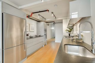 """Photo 13: 413 1529 W 6TH Avenue in Vancouver: False Creek Condo for sale in """"WSIX - South Granville Lofts"""" (Vancouver West)  : MLS®# R2435033"""