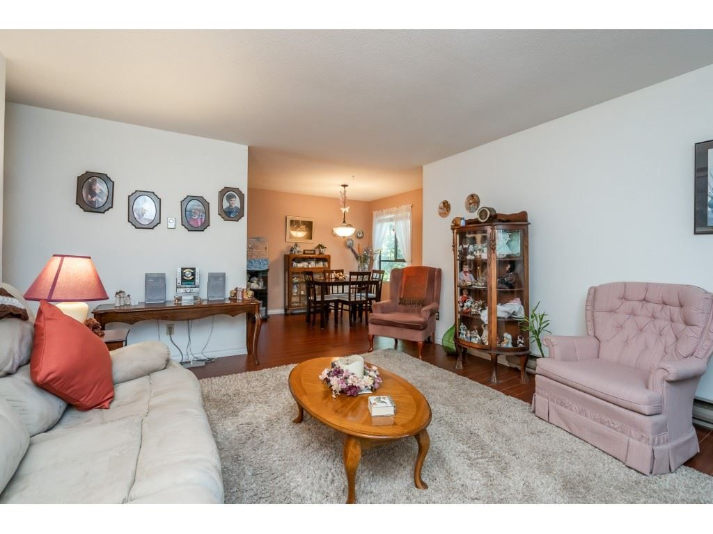 "Photo 7: Photos: 205 7155 134 Street in Surrey: West Newton Condo for sale in ""EAGLE GLEN"" : MLS®# R2446715"