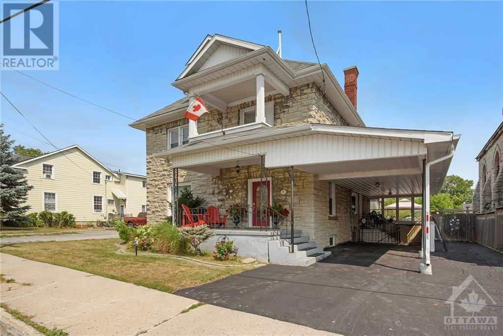 Main Photo: 11 UNION STREET N in Almonte: House for sale : MLS®# 1258083