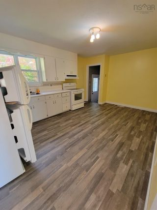 Photo 4: 5772 Hornes Road in Mira Gut: 211-Albert Bridge / Mira Residential for sale (Cape Breton)  : MLS®# 202125821