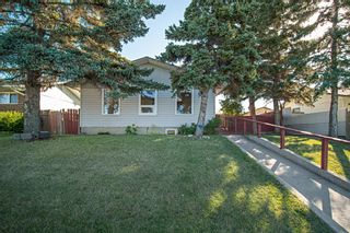 Photo 2: 1212 Pensacola Way SE in Calgary: Penbrooke Meadows Detached for sale : MLS®# A1148366