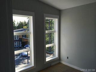 Photo 3: 911 Nel Hamerton Pl in VICTORIA: La Florence Lake House for sale (Langford)  : MLS®# 676435