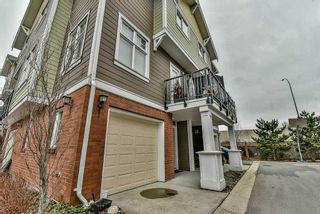 """Photo 2: 3 1135 EWEN Avenue in New Westminster: Queensborough Townhouse for sale in """"ENGLISH MEWS"""" : MLS®# R2133366"""