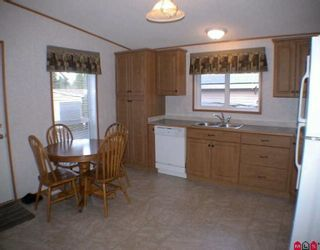 """Photo 3: 85 24330 FRASER Highway in Langley: Otter District Manufactured Home for sale in """"Langley Grove Estates"""" : MLS®# F2927033"""