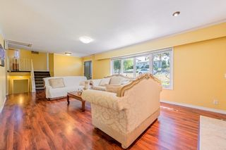Photo 2: 4407 WILDWOOD Crescent in Burnaby: Garden Village House for sale (Burnaby South)  : MLS®# R2394907
