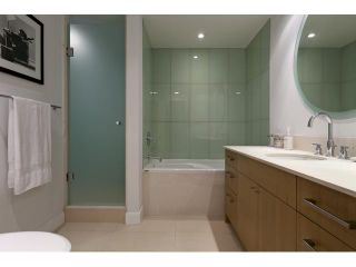 "Photo 8: 1004 1455 HOWE Street in Vancouver: Yaletown Condo for sale in ""POMARIA"" (Vancouver West)  : MLS®# V939009"