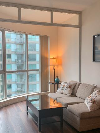 """Photo 18: 2408 555 JERVIS Street in Vancouver: Coal Harbour Condo for sale in """"HARBOURSIDE PARK"""" (Vancouver West)  : MLS®# R2576677"""