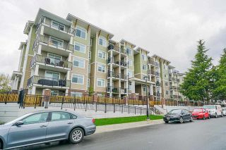"""Photo 2: 418 20696 EASTLEIGH Crescent in Langley: Langley City Condo for sale in """"The Georgia"""" : MLS®# R2574305"""