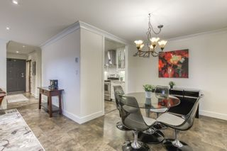 """Photo 4: 104 1473 BLACKWOOD Street: White Rock Condo for sale in """"The Lamplighter"""" (South Surrey White Rock)  : MLS®# R2536988"""