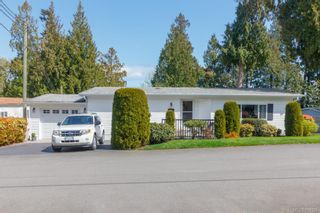 Photo 1: 804 2779 Stautw Rd in : CS Hawthorne Manufactured Home for sale (Central Saanich)  : MLS®# 811329