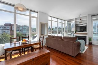 """Photo 7: 413 2055 YUKON Street in Vancouver: False Creek Condo for sale in """"THE MONTREUX"""" (Vancouver West)  : MLS®# R2371441"""