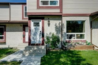 Photo 3: 246 Deerpoint Lane SE in Calgary: Deer Ridge Row/Townhouse for sale : MLS®# A1142956