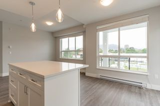 """Photo 14: 4501 2180 KELLY Avenue in Port Coquitlam: Central Pt Coquitlam Condo for sale in """"Montrose Square"""" : MLS®# R2615326"""