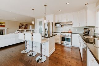 """Photo 10: 6014 COWRIE Street in Sechelt: Sechelt District House for sale in """"SilverStone Heights"""" (Sunshine Coast)  : MLS®# R2612908"""