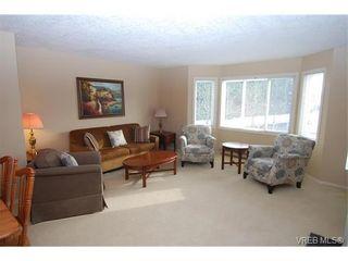 Photo 2: 314 3931 Shelbourne St in VICTORIA: SE Mt Tolmie Condo for sale (Saanich East)  : MLS®# 750508