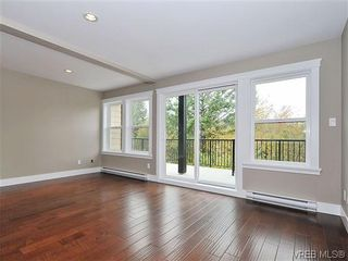 Photo 4: 103 982 Rattanwood Pl in VICTORIA: La Happy Valley Row/Townhouse for sale (Langford)  : MLS®# 635443