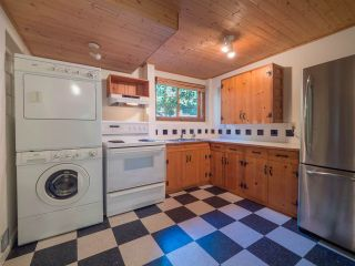 Photo 13: 3204 HUCKLEBERRY Road: Roberts Creek House for sale (Sunshine Coast)  : MLS®# R2364064