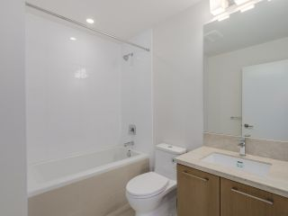 Photo 8: 321 22 E ROYAL AVENUE in New Westminster: Fraserview NW Condo for sale : MLS®# R2054011