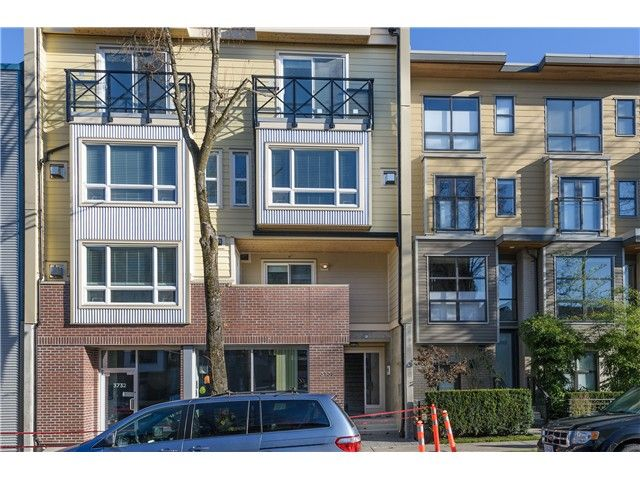 """Main Photo: 201 3736 COMMERCIAL Street in Vancouver: Victoria VE Townhouse for sale in """"Elements"""" (Vancouver East)  : MLS®# V979765"""