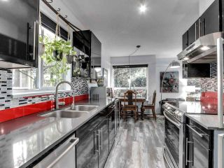 """Photo 9: 105 1641 WOODLAND Drive in Vancouver: Grandview Woodland Condo for sale in """"Woodland Court"""" (Vancouver East)  : MLS®# R2564541"""