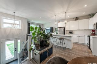 Photo 3: 707 L Avenue South in Saskatoon: King George Residential for sale : MLS®# SK864012
