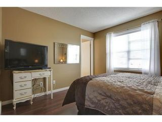 Photo 7: 463 PRESTWICK Circle SE in Calgary: 2 Storey for sale : MLS®# C3524474