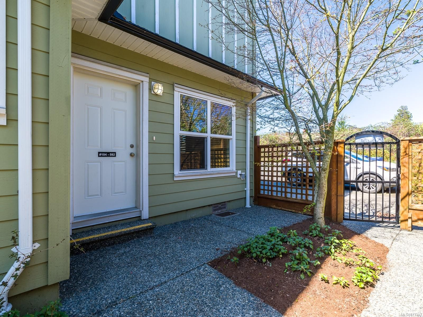 Main Photo: 582-584 Rosehill St in : Na Central Nanaimo Other for sale (Nanaimo)  : MLS®# 873393