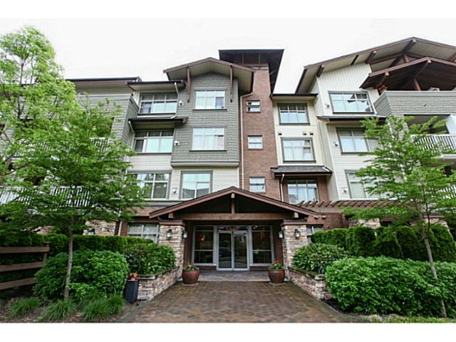 "Main Photo: 110 6500 194 Street in Surrey: Clayton Condo for sale in ""Sunset Grove"" (Cloverdale)  : MLS®# F1440693"