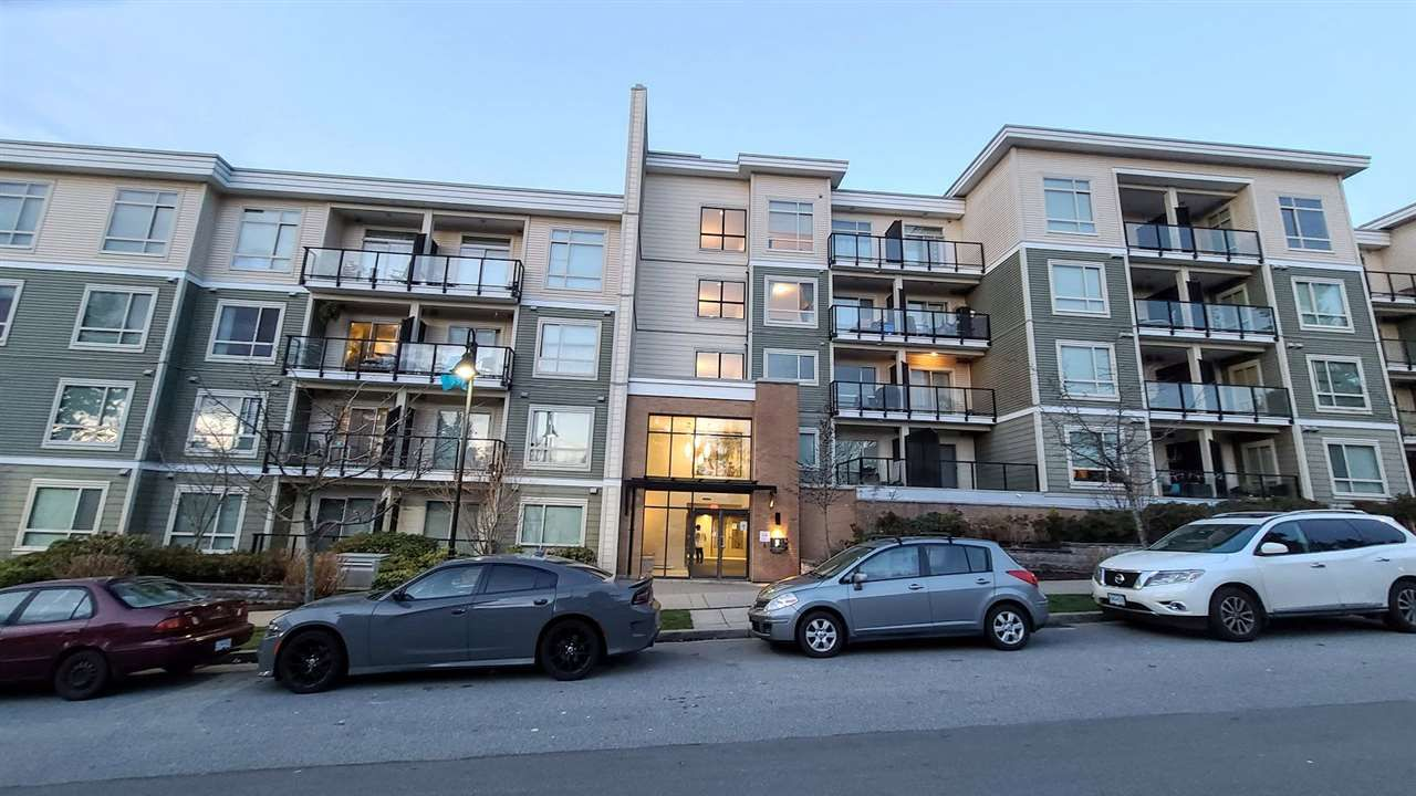 Main Photo: 429 13789 107A Avenue in Surrey: Whalley Condo for sale (North Surrey)  : MLS®# R2529371