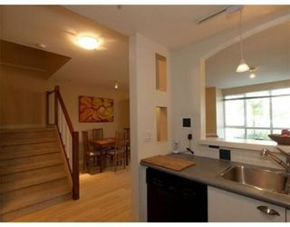 Photo 4: # 15 1027 LYNN VALLEY RD in North Vancouver: Condo for sale : MLS®# V829211