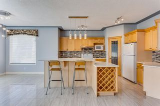 Photo 9: 132 Cresthaven Place SW in Calgary: Crestmont Detached for sale : MLS®# A1121487