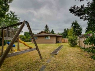 Photo 17: 15227 HUMMINGBIRD PLACE in Surrey: Bolivar Heights House for sale (North Surrey)  : MLS®# R2383706